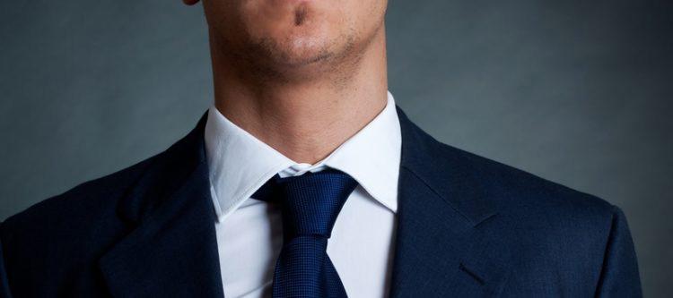 característica de corbata francesa